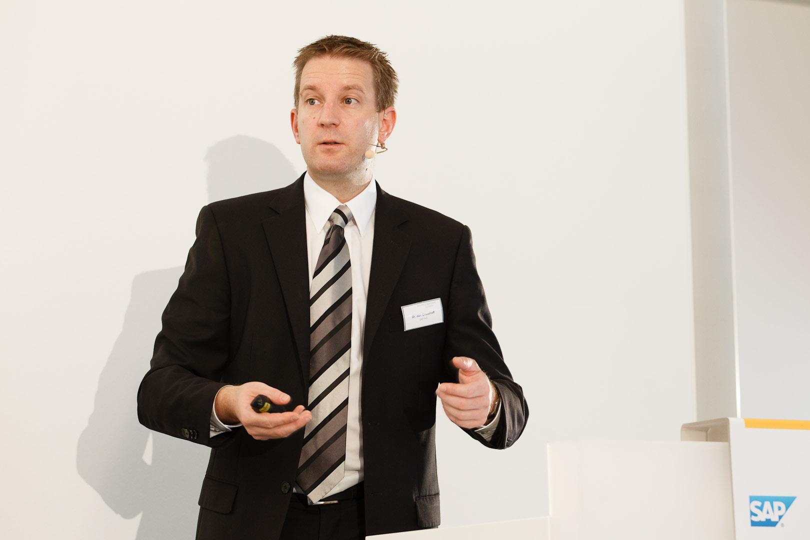 Dr. Jan Grasshoff